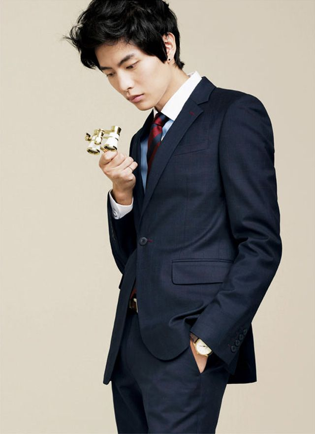 Lee Min Ki Dons The Class Spring 2012 Collection | Couch ...