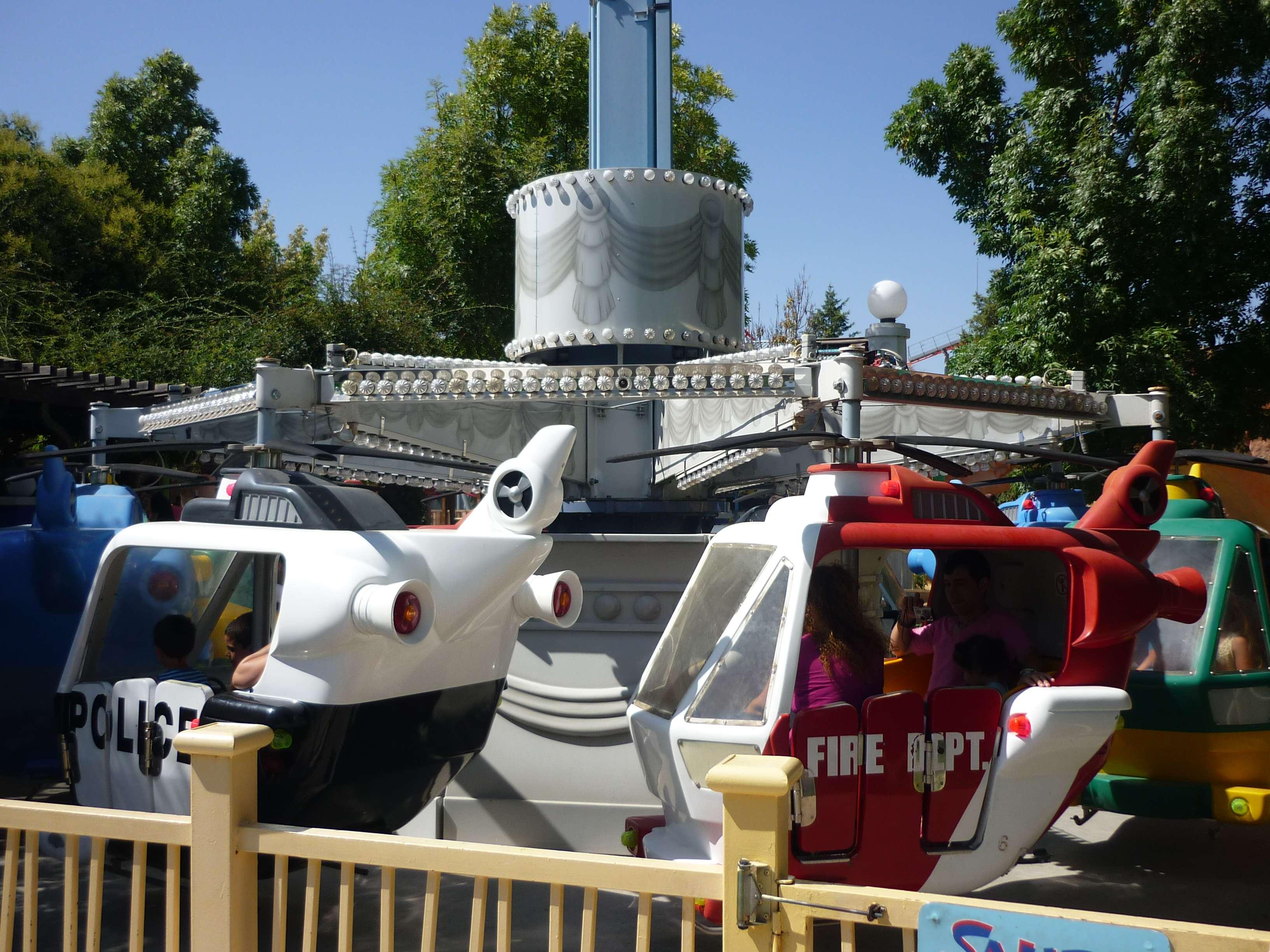 Personajes Comunes En Un Viaje En Autobús: Guía Parque Warner Bros (Madrid